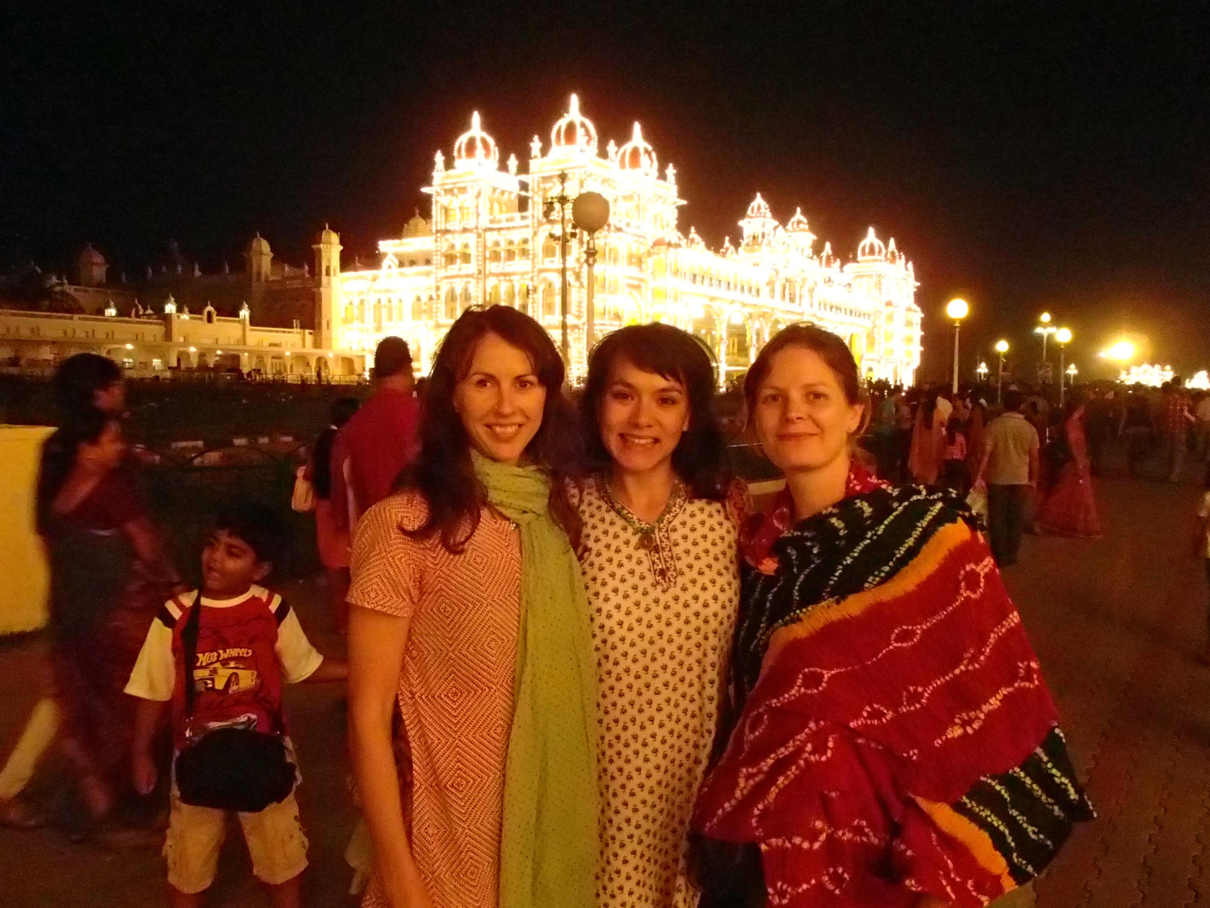 Biannka, Gabi and Mel at the Mysore palace